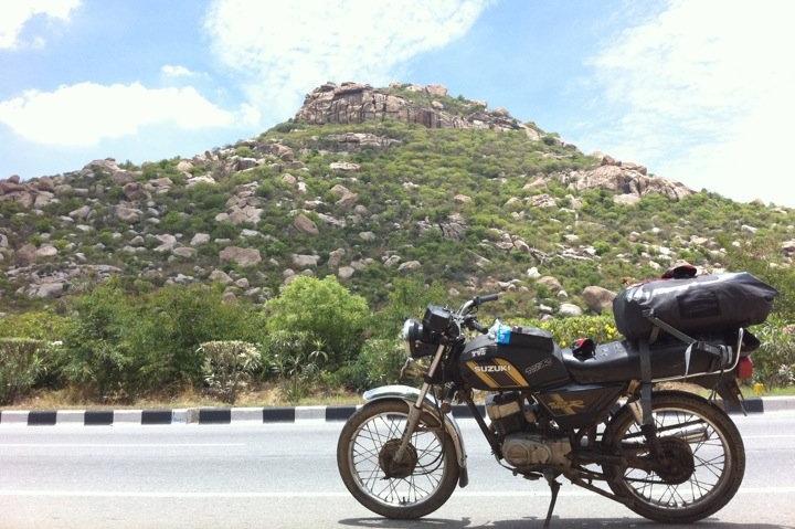 lucy, suzuki 110cc, motorcycle, india, max110 r