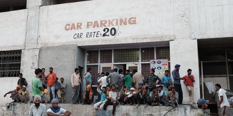 india, amritsar, queue, car parking, avvrtti, street photography
