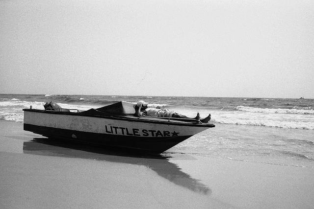 street photography, india, bangalore, kodak, leica, summarit, goa, little star