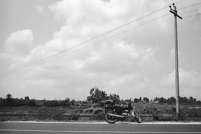 street photography, india, bangalore, kodak, leica, summarit