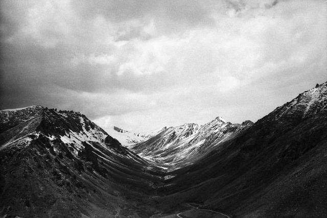 mountains, black and white, film, leica, landscape,