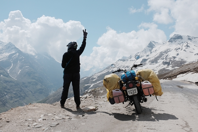 roh tang pass, royal enfield, motorcycle, road trip, mountains, adventure,
