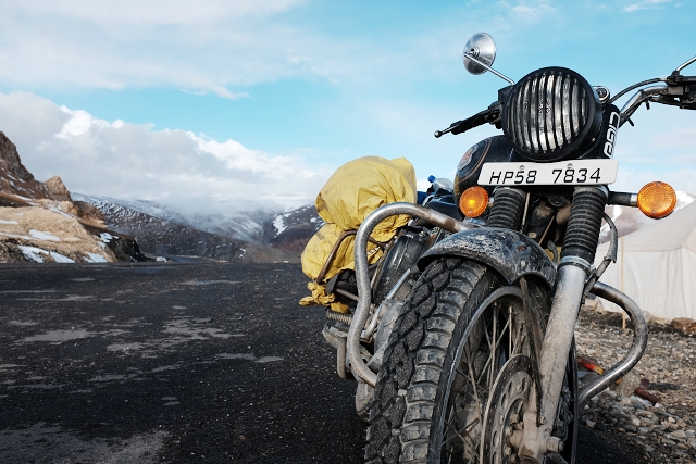 tag lang la, adventure, royal enfield, wanderlust, himalayas, travel guide
