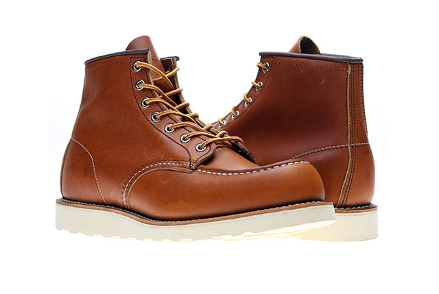 red wing boots, moc style, travel gift, christmas gift, gift ideas, travel, wanderlust, adventure