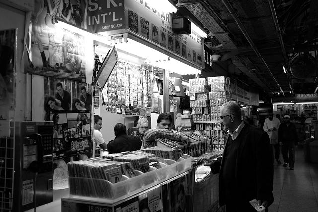 hong kong, travel, wanderlust, travel blog, street photography, black and white, fujifilm x100t, chungking mansions
