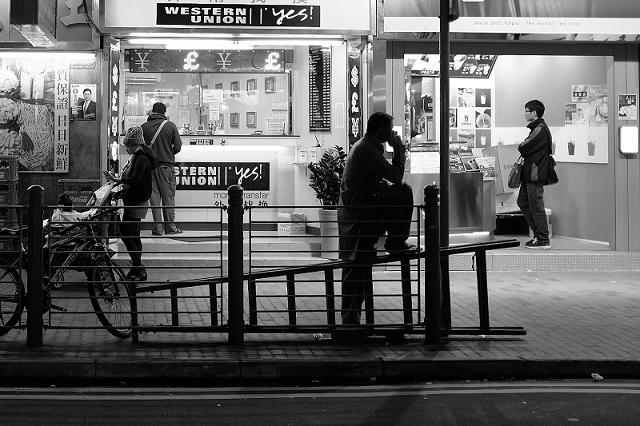 hong kong, travel, wanderlust, travel blog, street photography, black and white, fujifilm x100t