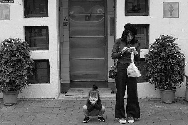 hong kong, travel, wanderlust, travel blog, street photography, black and white, fujifilm x100t, macau,