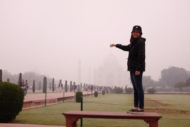 taj mahal, touristy photo, agra, wanderlust, travel blog