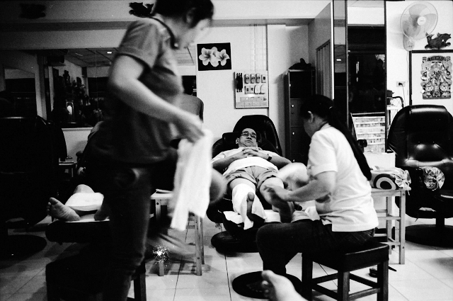 foot massage, betong, roadtrip, motorcycle, travel, wanderlust, travel blog, adventure