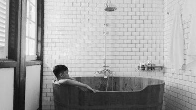 wooden bath tub, staycation, singapore, villa samadhi