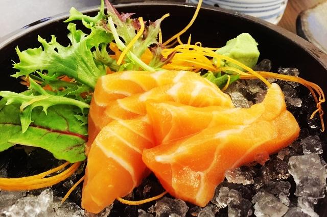 isurumuya, salmon sashimi, halal japanese food singapore,