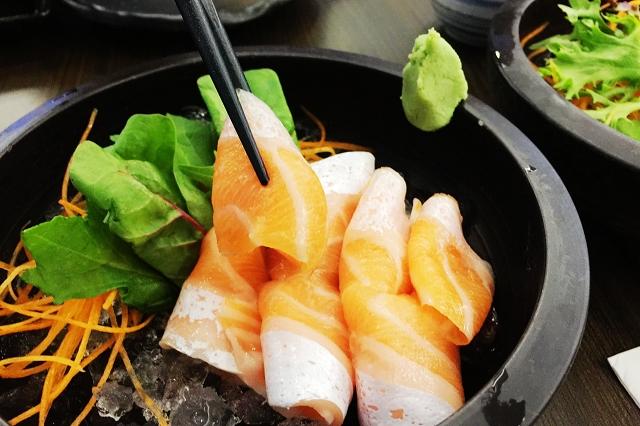 isurumuya, salmon belly sashimi, halal japanese food singapore,