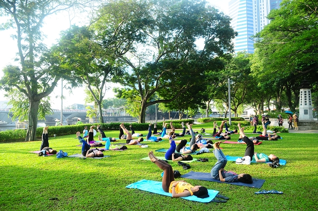 car free sunday sg, singapore, events, yoga in the park, yoga, the padang