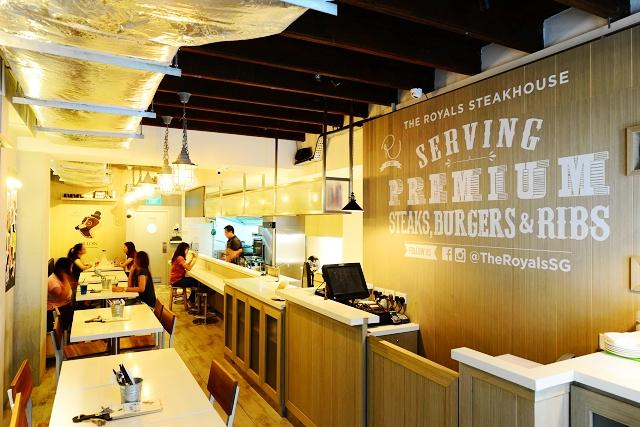 The royals steakhouse, singapore, jalan pisang, halal steaks in singapore, halal food in singapore, halal cafe, travel and lifestyle blog, australian lamb chops
