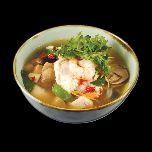 clear tom yum seafood soup, greathai, east village, singapore, halal thai restaurant in singapore,