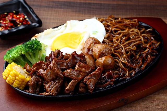 Noosh Noodle Sizzling Plate, halal restaurant singapore, noosh noodle bar and grill singapore, travel and lifestyle blog singapore,