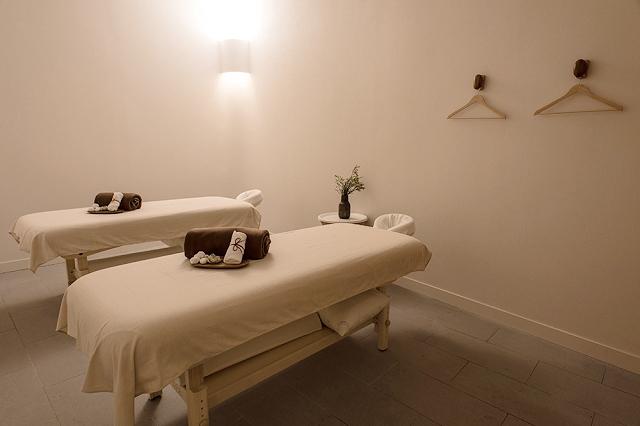 yunomori onsen and spa singapore, review of yunomori singapore, massage room singapore