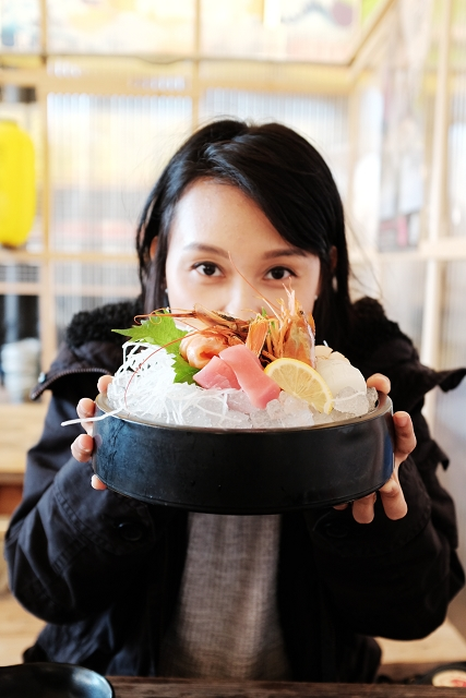 Nakanoshima Fishing Port, travel eats japan, japan campervan holidays, japan campervan, singapore travel bloggers, osaka seafood, osaka fish market,