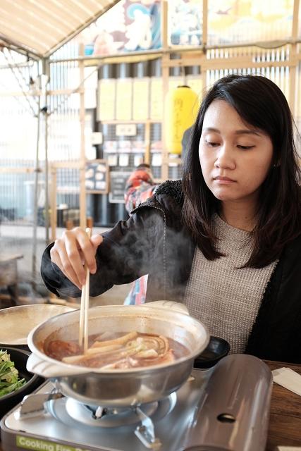 seafood hotpot, nakanoshima fishing port, nakanoshima fish market, review of nakanoshima fish port, osaka, japan travels, japan campervan adventures, japancampers,