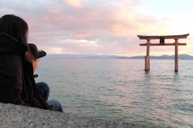 Shirahige shrine sunset, lake biwa japan, road trip japan, japan travel, japan camper van,