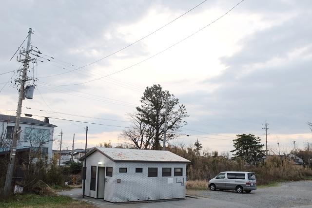 toyama bay parking spot campervan, toyama roadtrip, japan campervan holidays, japan campers, van life japan, nap in van japan, sleeping in van japan,